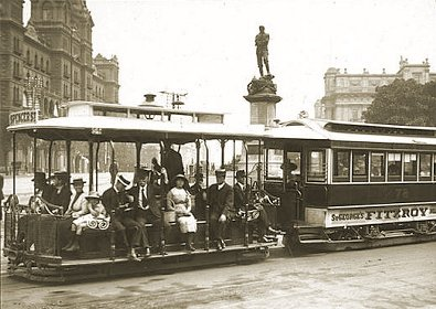 Cable tram 78 about to cross Spring St into Collins St. Photograph National Library of Australia