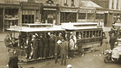 Cable car in Bridge Road Richmond, 1925. Official M&MTB photograph.