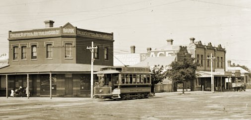 NMETL saloon car (later M&MTB U class) in Fletcher Street, Essendon. Photograph Public Records Office of Victoria.